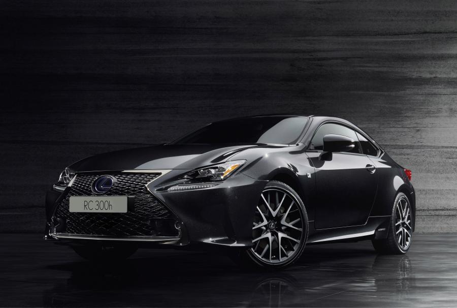 Lexus RC300h F-Sport Black Edition